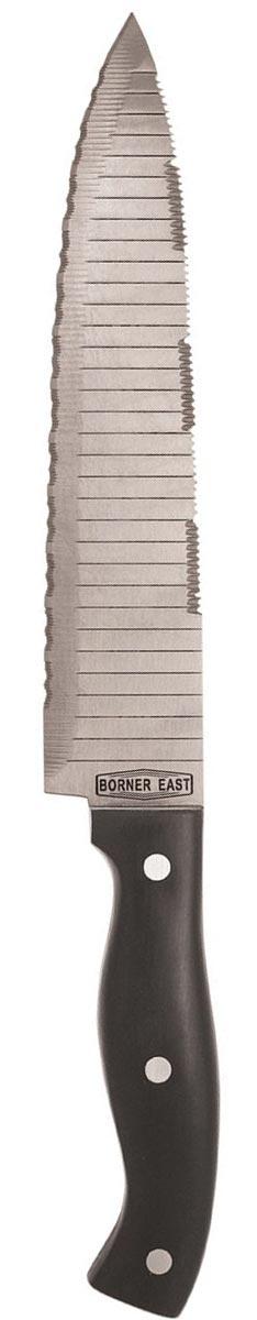 Нож разделочный Borner Monster Chef, цвет: стальной, черный, длина лезвия 20 см50082Разделочный нож Borner Монстр-Шеф имеет режущую кромку-серрейтор с зубцами из твердосплавной легированной стали твердостью 51+/-1 HRC. Это дает возможность легко разрезать очень прочные, волокнистые или слоистые материалы. Благодаря серрейторной заточке под углом 22 градуса ножи долго остаются острыми, поскольку режущая часть с зубцами делает кромку лезвия в два раза длиннее, чем у обычного ножа. Уникальная конструктивная особенность ножа Монстр-Шеф - это заточка двух кромок лезвия: нижней и верхней. Мощное длинное широкое лезвие, работающее по принципу реза пилы, изготовленное из твердосплавной стали при помощи лазерного контроля угла заточки, эргономичная ручка - все это делает эти ножи многофункциональным инструментом.Длина лезвия: 20 см.Общая длина ножа: 34 см.