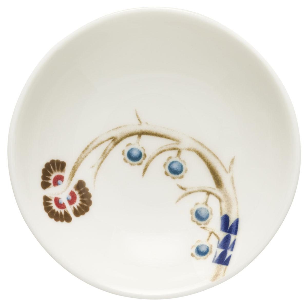 Блюдце Iittala Taika, цвет: белый, диаметр 9,5 см1011647Блюдце Iittala Taika выполнено из качественного жароустойчивого прочного фарфора с долговечным стекловидным эмалевым покрытием. Можно мыть в посудомоечной машине.Диаметр: 9,5 см.
