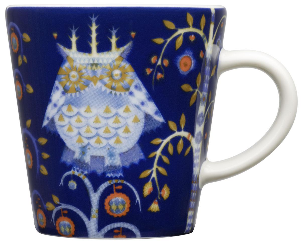 Чашка кофейная Iittala Taika, цвет: синий, 100 мл. 10124451012445Кофейная чашка Iittala Taika выполнена из качественного жароустойчивого прочного фарфора. Чашка имеет яркий дизайн, поэтому будетстильно выглядетьна любой кухне.Можно мыть в посудомоечной машине. Объем:: 100 мл.