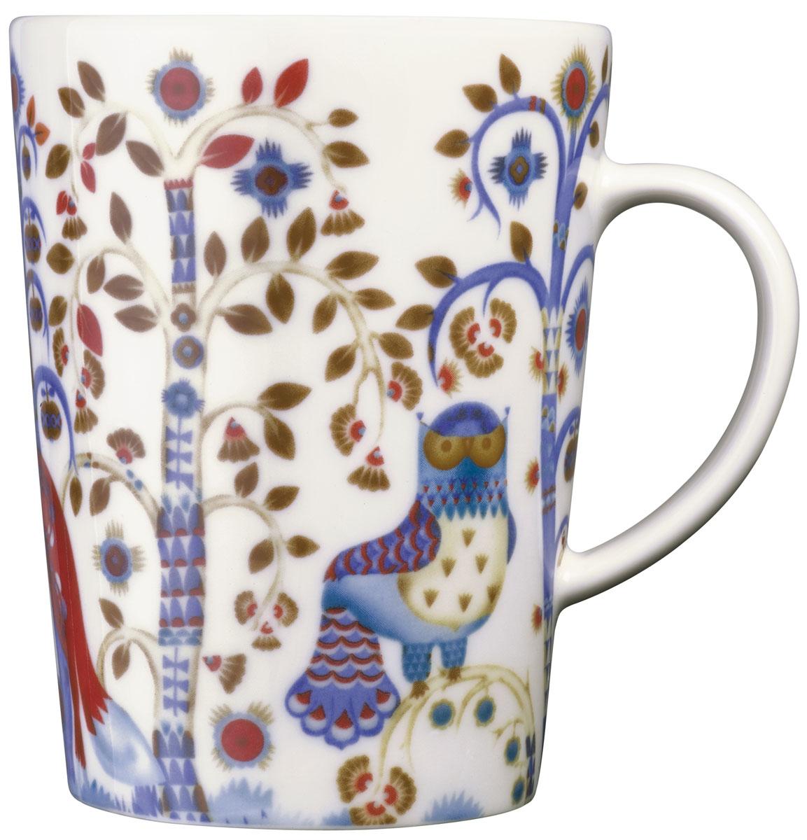 Чашка Iittala Taika, цвет: белый, 400 мл1012450Чашка Iittala Taika выполнена из качественного жароустойчивого прочного фарфора. Чашка имеет яркий дизайн, поэтому будет стильно выглядеть на любой кухне. Можно мыть в посудомоечной машине.Объем: 400 мл.