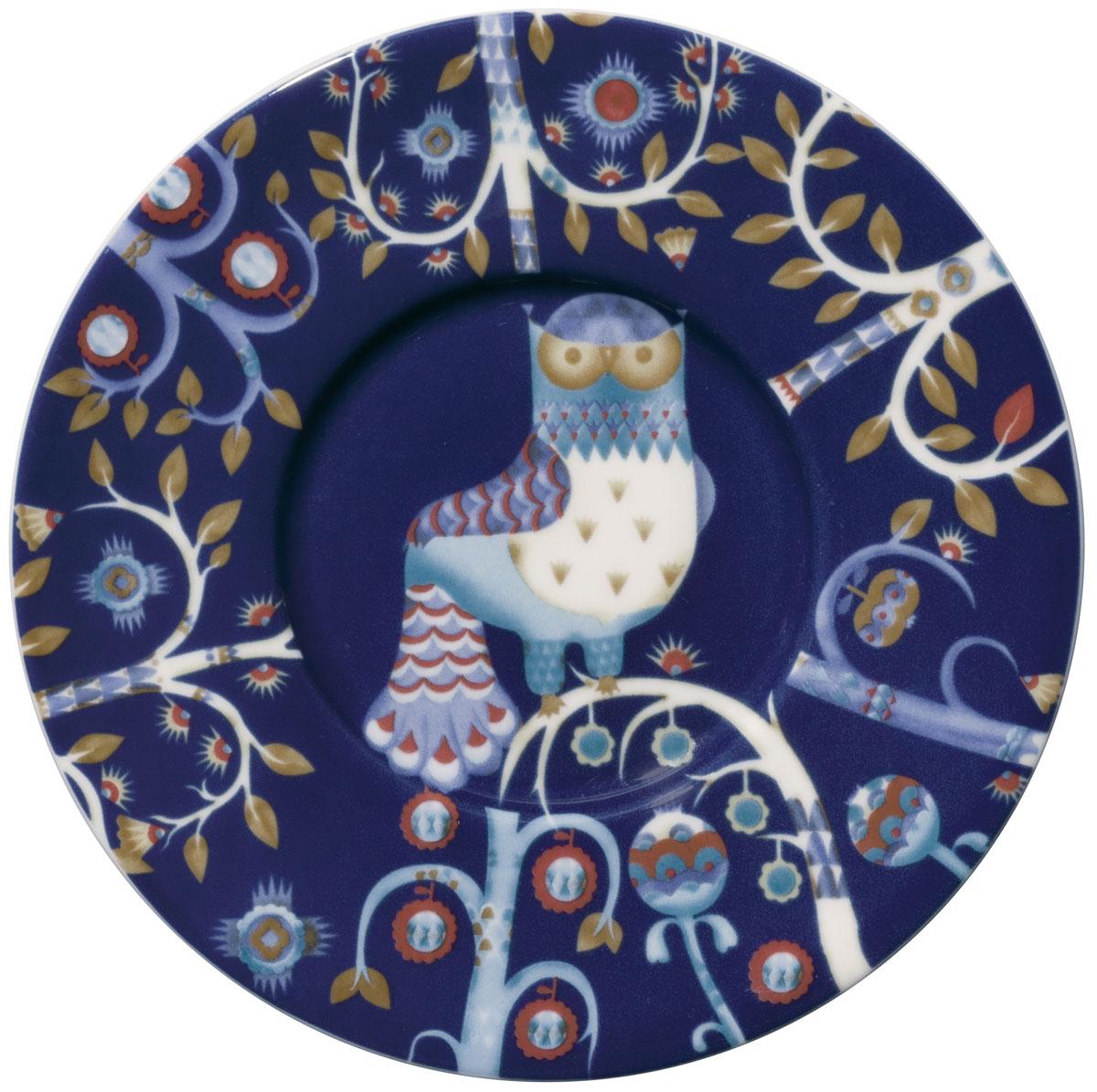 Блюдце Iittala Taika, цвет: синий, диаметр 15 см1012475Блюдце Iittala Taika выполнено из качественного жароустойчивого прочного фарфора с долговечным стекловидным эмалевым покрытием. Можно мыть в посудомоечной машине.Диаметр: 9,5 см.