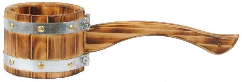 Ковш-черпак Доктор Баня Викинг, 1 л905786Ковш-черпак Доктор Баня, выполненный из кедра, относится кмалой банной утвари, которая просто незаменима длясоздания удобства и комфорта во время банной процедуры. Онпредназначен для подбрасывания воды на раскаленные камни,а также используется для набирания воды в шайки и ведра.Длинная горизонтальная ручка черпака не позволит обжечьсяо горячие камни или воду.