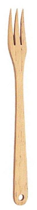 Вилка Tescoma Woody, длина 30 см637378Вилка Tescoma Woody, изготовленная из высококачественной древесины березы,пригодится вам при варке, выпечке и жарке во всех видах посуды, в том числе и впосуде с антипригарным покрытием, которое она не поцарапает и не повредит.Вилка оснащена эргономичной ручкой, которая не скользитв руках и делает ее использование удобным и безопасным. Ручка снабженаспециальным отверстием для подвешивания. Вилка Tescoma Woody займет достойное место среди аксессуаров навашей кухне.Нельзя мыть в посудомоечной машине.