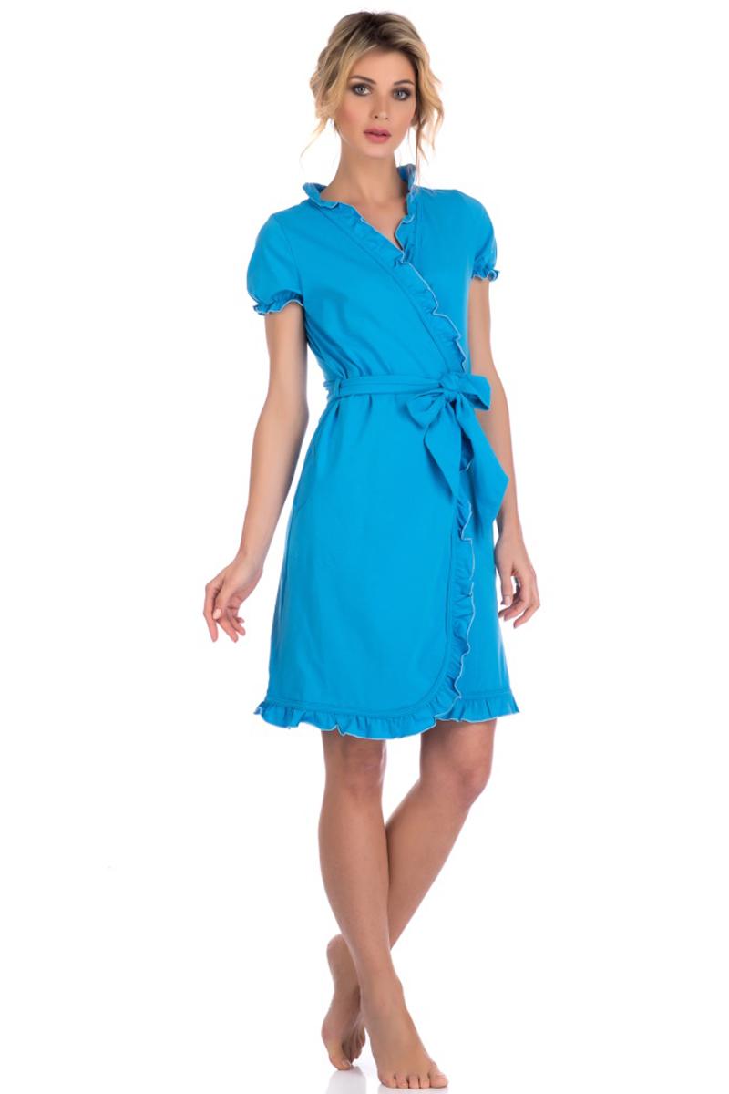 Халат женский Evateks, цвет: голубой. 511. Размер 46/48511Легкий халат от Evateks выполнен из натурального хлопка. Модель-миди с запахом и короткими рукавами на талии дополнена поясом. Халат по бокам имеет втачные карманы. Рукава, зона ворота и полы халата - декоративно отделаны тканью с эффектом волн.