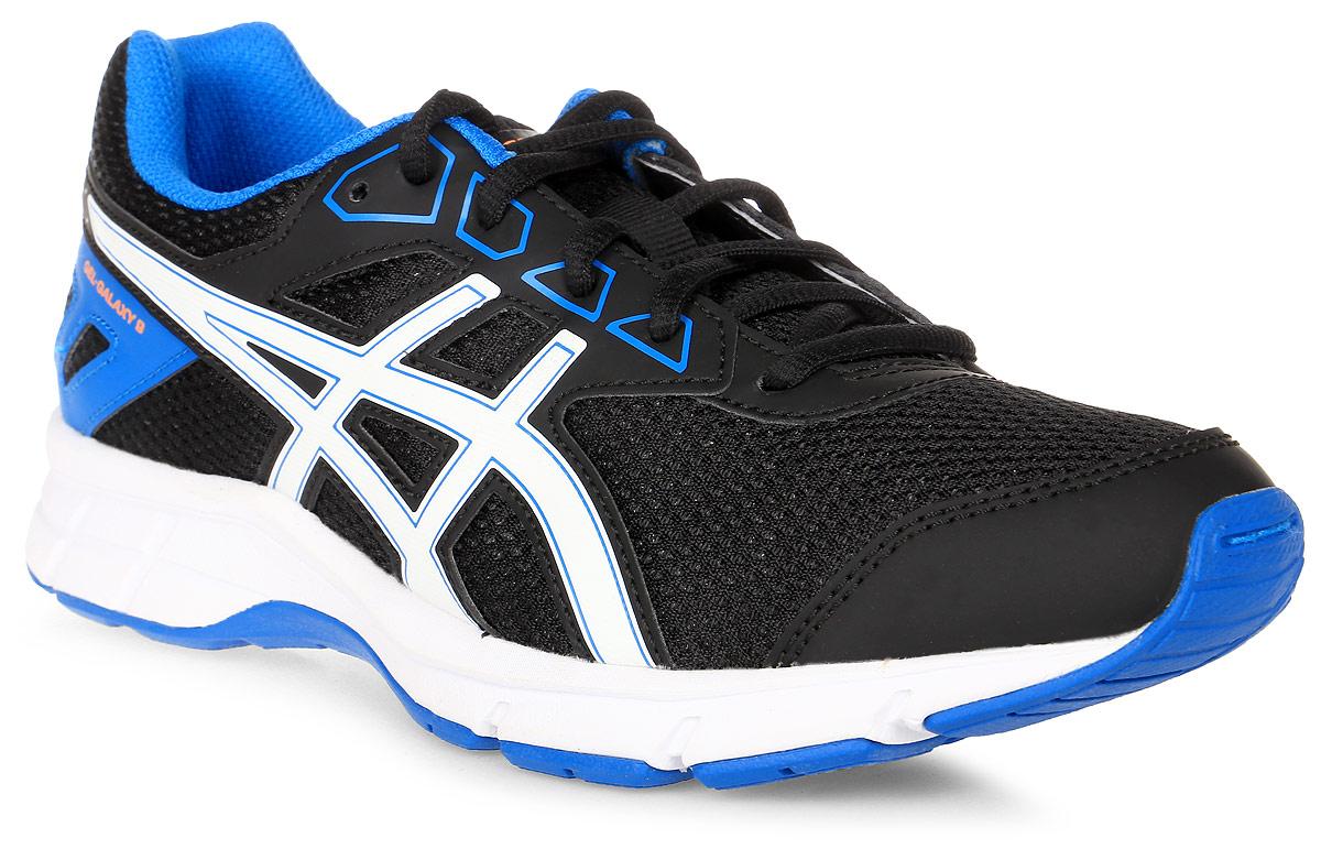 Кроссовки детские Asics Gel-Galaxy 9 Gs, цвет: черный, белый, синий. C626N-9001. Размер 1H (31,5)C626N-9001Зачем идти, если можно бежать? Детские беговые кроссовки Asics Gel-Galaxy 9 Gs— комфорт для ног в школе, на спортплощадке или в парке. Ноги ощущают комфорт в обуви с отличной амортизацией и дышащим сетчатым верхом. Цвета этой яркой и стильной модели точно вам понравятся. Кроссовки созданы для повседневной жизни, будь то школьные будни или выходные. Полный комфорт благодаря плотной посадке и амортизации в задней части подошвы.