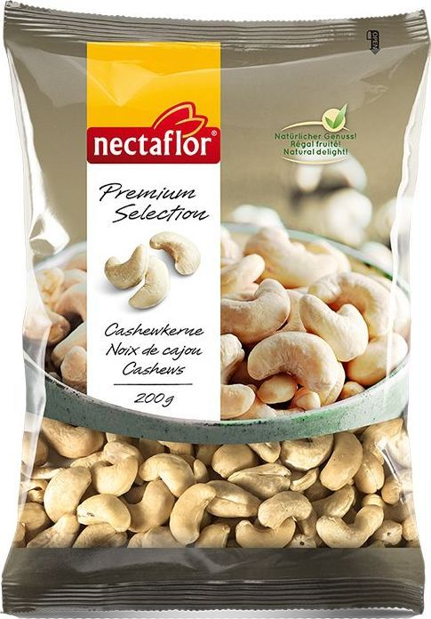 Nectaflor орехи кешью, 200 г755024Индийский кешью по праву считается самым лучшим в Мире, поскольку обладает прекрасным вкусом и интенсивным ароматом. Данный орех является высококалорийным, содержит высокое количество растворимой клетчатки, витаминов, минералов и бесчисленное количество фитохимических соединений. Высокое содержание ненасыщенных жирных кислот идеально для тех, кто придерживается низкохолестериновой диеты. Мягкий вкус кешью делает его целебной закуской. В южно-азиатской кухне кешью используют многие века.
