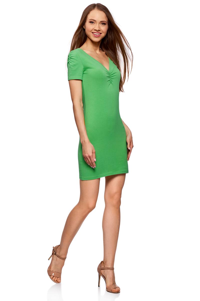 Платье oodji Ultra, цвет: изумрудный. 14001082B/47490/6D00N. Размер L (48)14001082B/47490/6D00NОблегающее платье oodji Ultra выполнено из качественного трикотажа. Модель мини-длины с V-образным вырезом горловиныи короткими рукавамивыгодно подчеркивает достоинства фигуры.