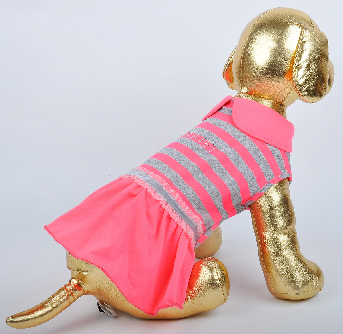 Платье для собак GLG Фэшн Ультра. Размер MMOS-005-PINK-MПлатье для собак GLG Фэшн Ультра выполнено из вискозы. Рукава не ограничивают свободу движений, и собачка будет чувствовать себя в нем комфортно. Изделие застегивается с помощью кнопок..Модное и невероятно удобное платье защитит вашего питомца от пыли и насекомых на улице, согреет дома или на даче. Длина спины: 27-29 см Обхват груди: 37-39 см.