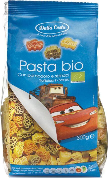 Dalla Costa Disney Фигурные Тачки БИО со шпинатом и томатом, 300 г5771Тачки - трехцветные макаронные изделия со шпинатом и томатами - фигурные макароны из твердых сортов пшеницы со шпинатом и томатами, созданные по мотивам мультфильмов Disney: тачки. Рекомендуются для приготовления гарниров, запеканок, салатов и супов. Порадуйте малышей изысканным, вкусным и полезным блюдом, заправив пасту томатным соусом. Варить в кипящей воде 7-9 минут.Семья Далла Коста бережно хранит традиции производства итальянской пасты, эдакий любовный союз, который призван удовлетворять вкусам ценителей в разных уголках света. Для того чтобы расширить ассортимент и донести ценность превосходного продукта до потребителя, Dalla Costa запустила линии трехцветной и ароматизированной пасты, в секторе производства которых компания является лидером на сегодняшний день. Постоянное стремление к более высокому качеству находит отражение в новых вкусах, богатом ассортименте, разнообразии форматов и создании новых продуктов. Компания стремится к лидерству на национальном и международном уровнях в секторе производства особой, ароматизированной и трехцветной пасты, продолжая отличаться высоким качеством продукции, широтой ее гаммы и гибкостью в возможности отвечать требованиям различных рынков.