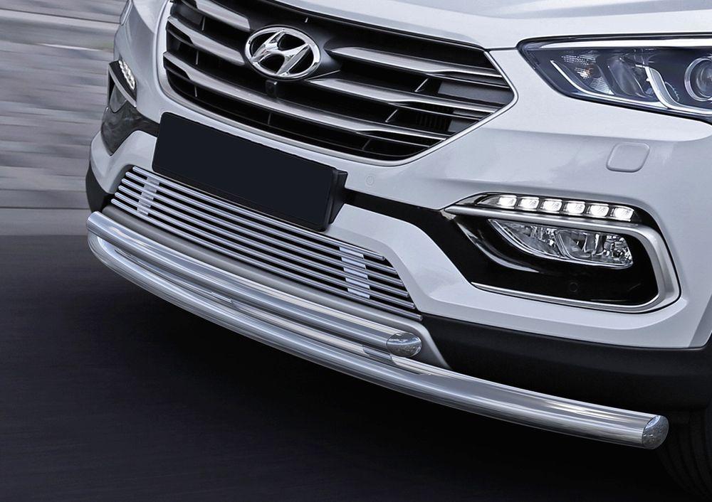 Решетка бампера Rival для Hyundai SantaFe Premium 2015-G.2302.001Стильная решетка бампера Rival придает Вашему автомобилю индивидуальность и выделяет его в насыщенном городском потоке, защищает радиатор от повреждений.- Произведена из высококачественной нержавеющей стали (марка AISI 304, толщина стенки 1,5 мм, диаметр трубочек 10 мм) обеспечивает долговечную эксплуатацию. - Гарантия на сквозную коррозию и на целостность сварных швов - 5 лет.- Использование электроплазменной полировки позволяет добиться качественной равномерной зеркальной поверхности.- Простая установка в штатные места крепления не требует сверления и дополнительной доработки автомобиля. Установка занимает не более 15 минут.- Продукт сертифицирован, нет проблем с постановкой на учет.- Производство на высокоточном оборудовании позволяет изготовить индивидуальный продукт с высокой точностью повторения геометрии автомобиля.- В комплекте крепеж и инструкция по установке.Совместимость с дополнительным оборудованием и аксессуарами Rival и с большинством оригинальных аксессуаров.