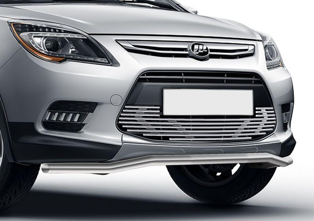 Решетка бампера Rival для Lifan X50 2015-G.3301.001Стильная решетка бампера Rival придает Вашему автомобилю индивидуальность и выделяет его в насыщенном городском потоке, защищает радиатор от повреждений.- Произведена из высококачественной нержавеющей стали (марка AISI 304, толщина стенки 1,5 мм, диаметр трубочек 10 мм) обеспечивает долговечную эксплуатацию. - Гарантия на сквозную коррозию и на целостность сварных швов - 5 лет.- Использование электроплазменной полировки позволяет добиться качественной равномерной зеркальной поверхности.- Простая установка в штатные места крепления не требует сверления и дополнительной доработки автомобиля. Установка занимает не более 15 минут.- Продукт сертифицирован, нет проблем с постановкой на учет.- Производство на высокоточном оборудовании позволяет изготовить индивидуальный продукт с высокой точностью повторения геометрии автомобиля.- В комплекте крепеж и инструкция по установке.Совместимость с дополнительным оборудованием и аксессуарами Rival и с большинством оригинальных аксессуаров.