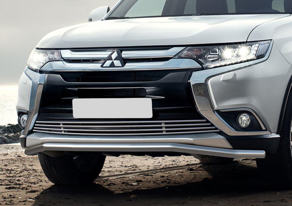 Решетка бампера Rival для Mitsubishi Outlander 2015-G.4001.001Стильная решетка бампера Rival придает Вашему автомобилю индивидуальность и выделяет его в насыщенном городском потоке, защищает радиатор от повреждений.- Произведена из высококачественной нержавеющей стали (марка AISI 304, толщина стенки 1,5 мм, диаметр трубочек 10 мм) обеспечивает долговечную эксплуатацию. - Гарантия на сквозную коррозию и на целостность сварных швов - 5 лет.- Использование электроплазменной полировки позволяет добиться качественной равномерной зеркальной поверхности.- Простая установка в штатные места крепления не требует сверления и дополнительной доработки автомобиля. Установка занимает не более 15 минут.- Продукт сертифицирован, нет проблем с постановкой на учет.- Производство на высокоточном оборудовании позволяет изготовить индивидуальный продукт с высокой точностью повторения геометрии автомобиля.- В комплекте крепеж и инструкция по установке.Совместимость с дополнительным оборудованием и аксессуарами Rival и с большинством оригинальных аксессуаров.