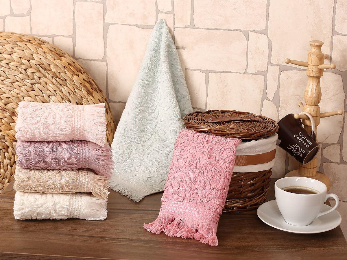 Салфетка Karna Gonca Esra, 30 х 50 см, 6 шт1216/CHAR001Салфетки махровые Karna изготавливают из высококачественных хлопковых нитей. Хлопковые нити прядутся из длинных волокон. Длина волокон хлопковой нити влияет на свойства ткани, чем длиннее волокна, тем махровое изделие прочнее, пушистее и мягче на ощупь. А также махровое изделие будет отлично впитывать воду и быстро сохнуть. На впитывающие качества махры (ее гигроскопичность), конечно же, влияет состав волокон. Махра абсолютно не аллергенна, имеет высокую воздухопроницаемость и долгий срок использования ткани.Отличительной особенностью данной модели является ее оригинальный рисунок (вышивка). Декор в виде вышивки и бахромы хорошо смотрится. Вышитые изображения отличаются своей долговечностью и практичностью, они не выгорают и не линяют.