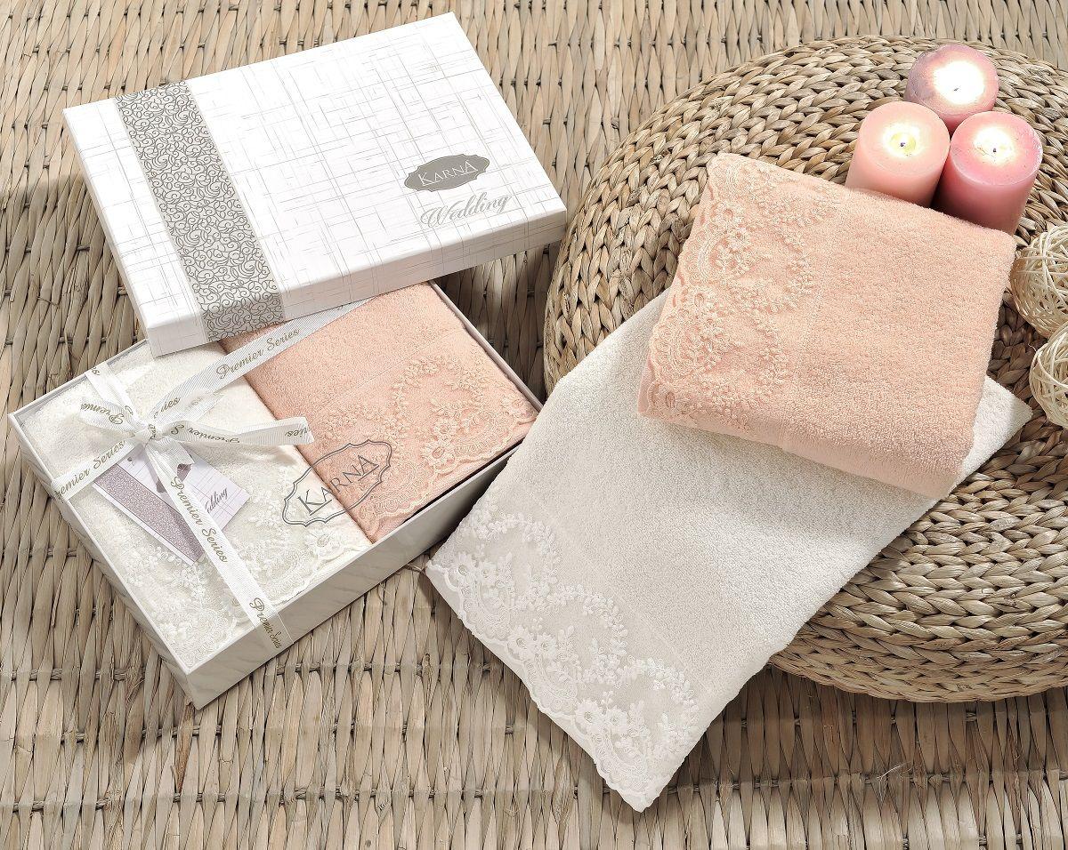 Полотенце Karna Elinda, 50 х 90 см, 2 шт. 2395/CHAR0012395/CHAR001Полотенца Karna Elinda изготавливают из высококачественных хлопковых нитей. Длина волокон хлопковой нити влияет на свойства ткани, чем длиннее волокна, тем махровое изделие прочнее, пушистее и мягче на ощупь. А также махровое изделие будет отлично впитывать воду и быстро сохнуть. На впитывающие качества махры (ее гигроскопичность) конечно же влияет состав волокон. Махра абсолютно не аллергена, имеет высокую воздухопроницаемость и долгий срок использования ткани.Отличительной особенностью данной модели является её оригинальный гипюр. Эти полотенца долго сохраняют свои свойства, а именно прочность и устойчивость к стирке, жесткость ткани из-за плотных кружевных вставок. Размер:50 х 90 см.