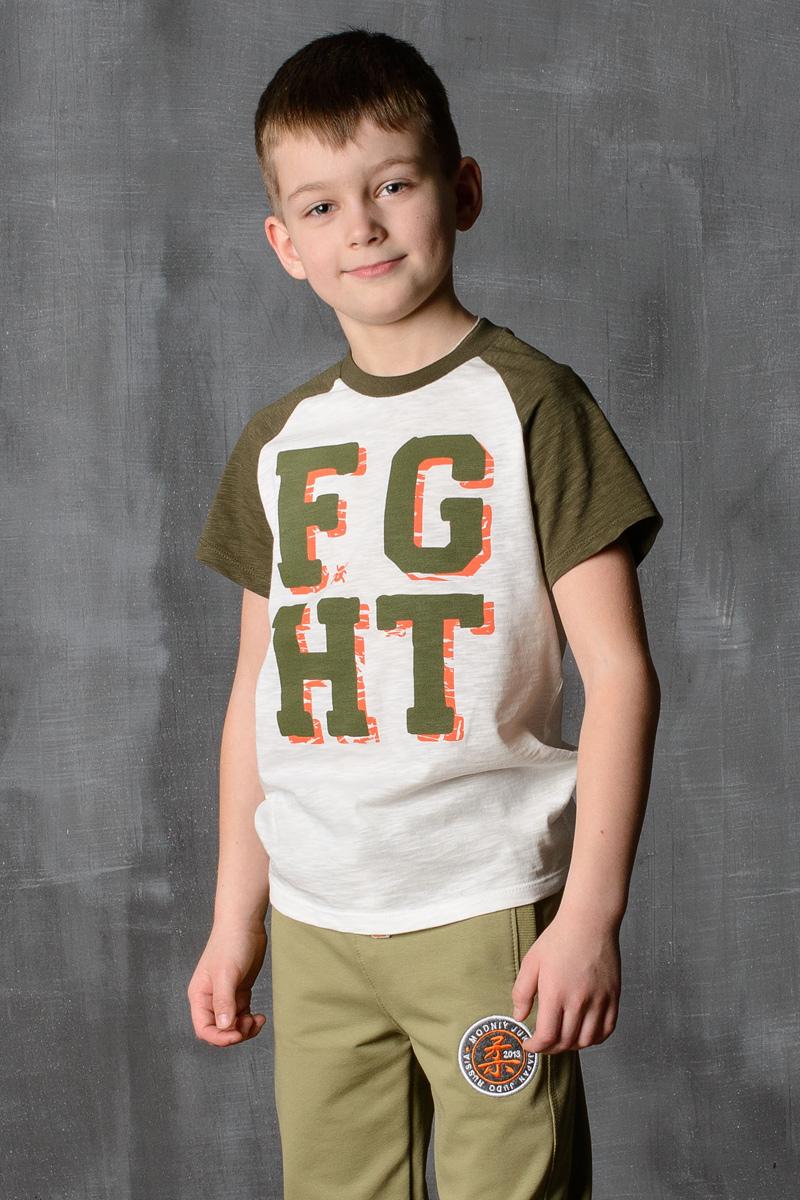 Футболка для мальчика Modniy Juk, цвет: экрю, хаки. 01B00040100. Размер 110/11601B00040100/FGHT/Стильная футболка для мальчика Modniy Juk изготовлена из высококачественного плотного трикотажа, она приятна на ощупь, не раздражает нежную и чувствительную кожу ребенка, позволяя ей дышать. Модель имеет короткий рукав покроя реглан, круглый ворот, полуприлегающий силуэт, не стесняет движения. Изделие дополнено ярким принтом в стиле Modniy Juk.