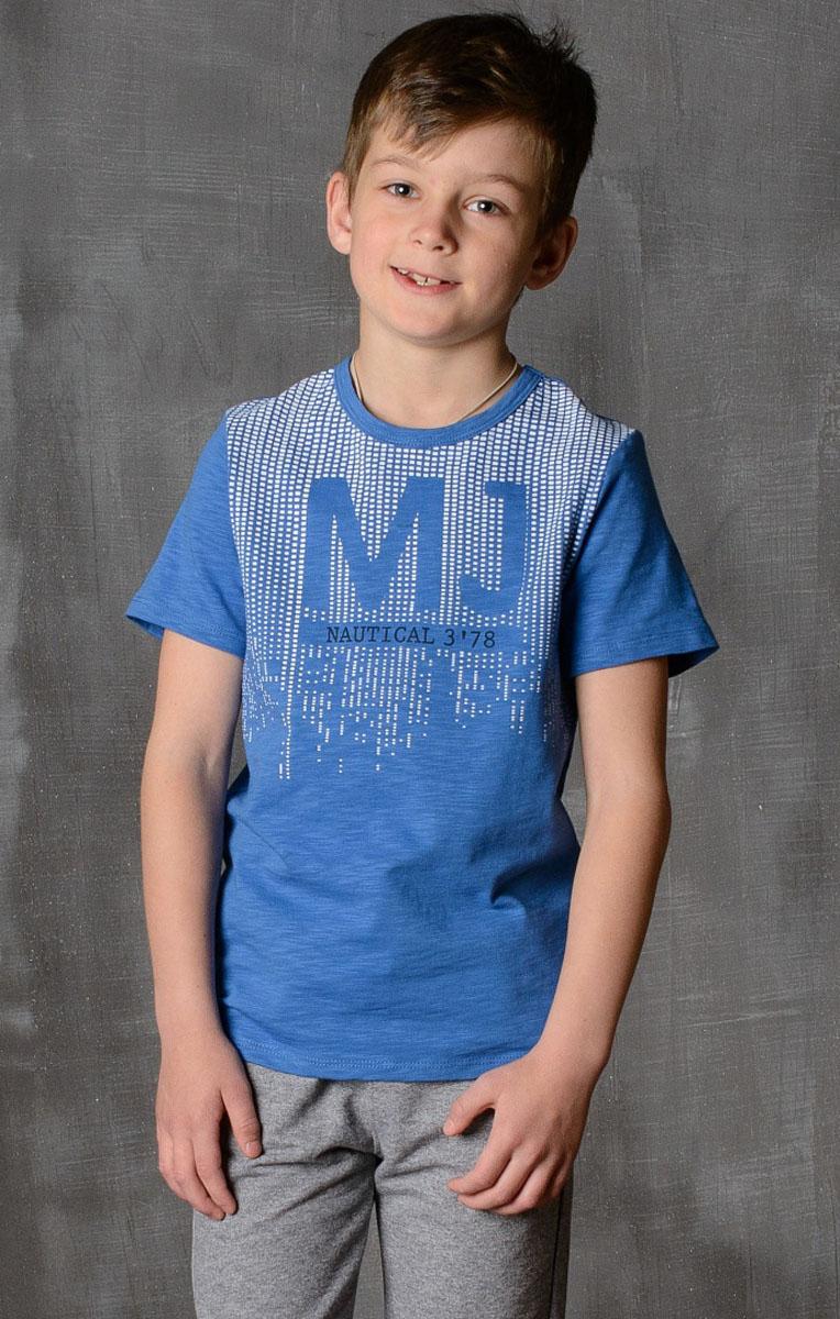 Футболка для мальчика Modniy Juk, цвет: индиго. 01B00110100. Размер 110/11601B00110100/MOSCOW_JUK/Стильная футболка для мальчика Modniy Juk изготовлена из высококачественного легкого хлопка, она приятна на ощупь, не раздражает нежную и чувствительную кожу ребенка, позволяя ей дышать. Модель имеет полуприлегающий силуэт, круглый вырез горловины не стесняет движения. Изделие дополнено ярким принтом в стиле Modniy Juk.