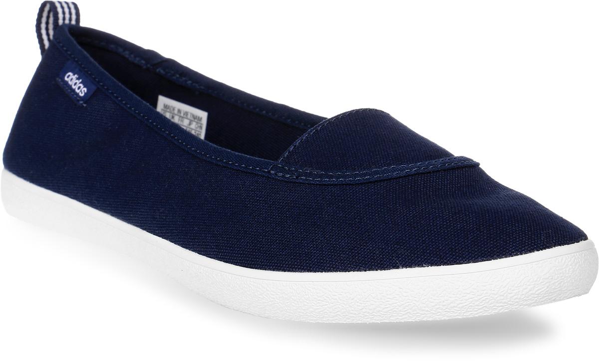 Слипоны женские adidas Cloudfoam Qt Vulc S, цвет: синий. AW3988. Размер 5,5 (37,5)AW3988Лаконичная комфортная модель. Эти слипоны для девушек выполнены из парусины и стилизованы под балетки. Упругая стелька принимает форму стопы, обеспечивая комфорт. Стелька cloudfoam MEMORY плотно прилегает к стопе, обеспечивая безупречный комфорт.