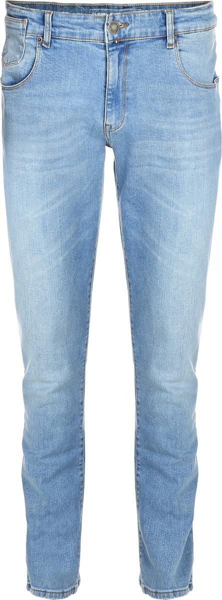 Джинсы мужские F5, цвет: голубой. 14440_09618. Размер 36-32 (50/52-32)14440_09618, Blue denim V-008 str., w.lightМужские джинсы F5 выполнены из хлопка с небольшим добавлением эластана. Модель на поясе застегивается на металлическую пуговицу и имеет ширинку на молнии, а также шлевки для ремня. Спереди расположены два внутренних кармана со скошенными краями и один накладной кармашек, а сзади - два накладных кармана. Изделие оформлено небольшой нашивкой с названием бренда.