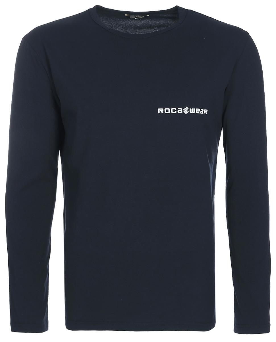 Лонгслив мужской Rocawear, цвет: темно-синий. R0117T51. Размер M (48)R0117T51Мужская футболка с длинными рукавами Rocawear свободного кроя с круглым вырезом горловины и длинными рукавами изготовлена из натурального хлопка с добавлением лайкры. Она необычайно мягкая и приятная на ощупь, не сковывает движения и позволяет коже дышать, не раздражает даже самую нежную и чувствительную кожу, обеспечивая наибольший комфорт. На груди лонгслив декорирован контрастным принтом в виде логотипа бренда. Модель создана для тех, кто предпочитает комфорт, моду и оригинальность и выгодно подчеркнет яркость вашего образа.