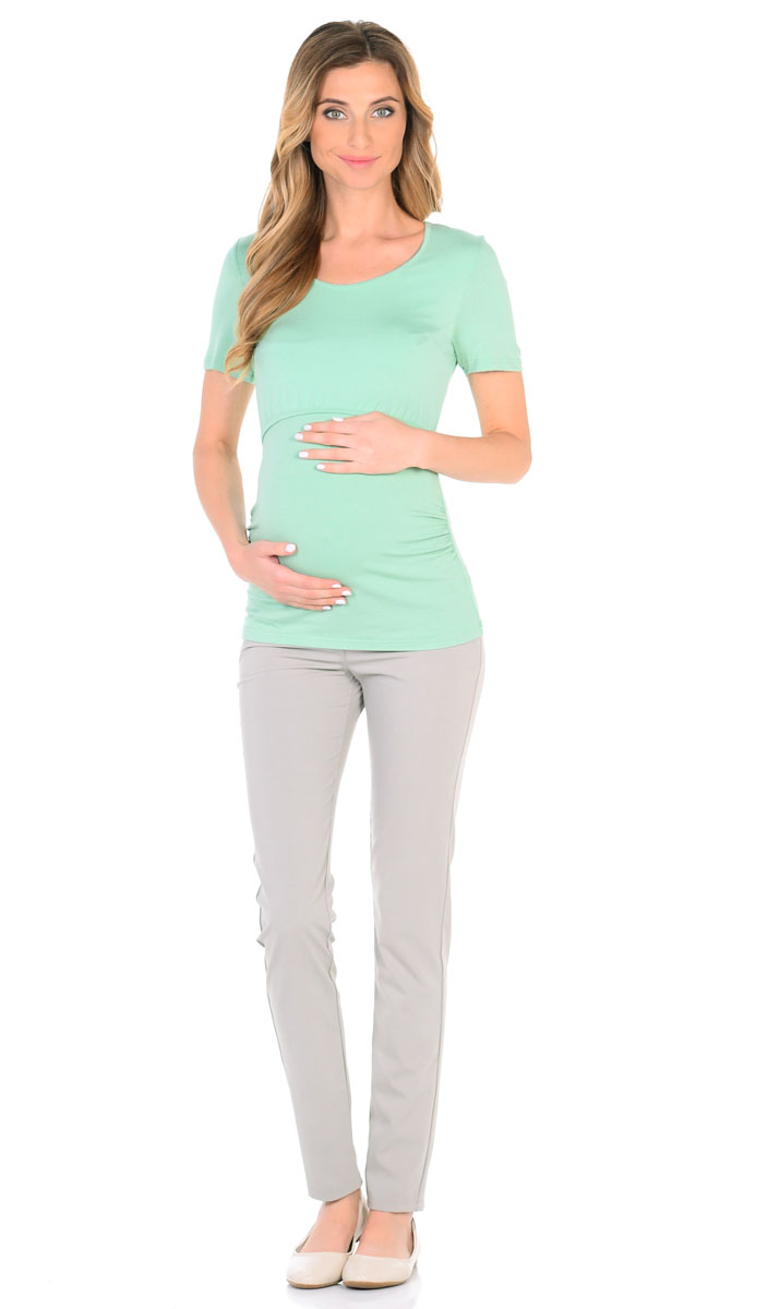 Футболка для беременнных и кормящих Nuova Vita, цвет: салатовый. 1214.23. Размер 481214.23Классическая удобная футболка для беременных и кормящих мам выполнена из вискозы с лайкрой. Удлиненная модель прикрывает спину, эластичная ткань не мнется, не растягивается и не деформируется после стирки. Футболка оснащена специальными складками для растущего животика, что очень удобно на последних месяцах беременности. Удобный секрет кормления, просто приподнимите верхнюю часть футболки. Также футболка отличается наличием спрятанных и мало ощутимых швов и вытачек.
