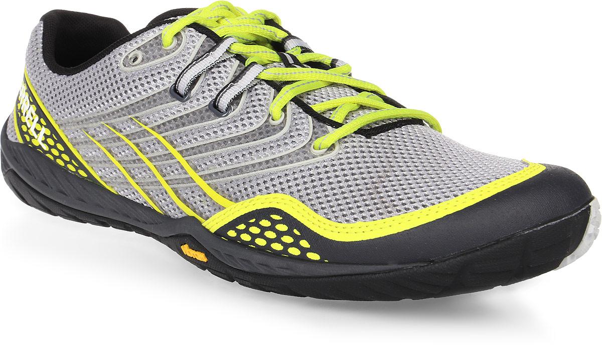 Кроссовки для бега мужские Merrell Trail Glove 3, цвет: серый, желтый. 37747. Размер 8H (41)37747Мужские кроссовки от Merrell предназначены для бега по пересеченной местности. Конструкция модели обеспечивает высокую степень защиты стопы от повреждений. Антибактериальная пропитка подкладки и стельки M Select Fresh препятствует появлению специфического запаха. Вставки TrailProtect во фронтальной части промежуточной подошвы смягчают удары. Промежуточная подошва, выполненная из ультралегкого, прочного и упругого EVA, гарантирует усиленную амортизацию, а мягкие вставки в пяточной и фронтальной части поглощают и смягчают ударную нагрузку. Технология подошвы M Select Grip гарантирует долговечность, специальный рисунок протектора обеспечивает отличное сцепление на разных видах поверхности. Самоочищающийся протектор сконструирован таким образом, чтобы в его элементах не застревали мелкие камни, не удерживалась земля.