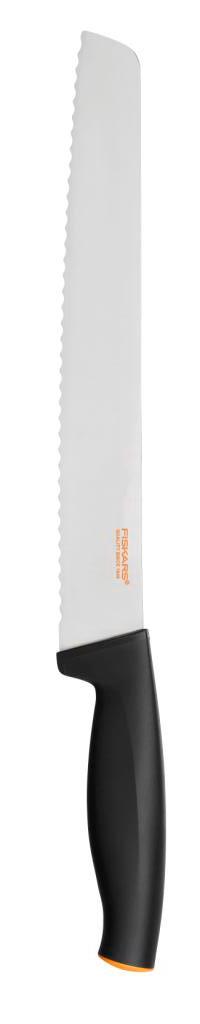 Нож для хлеба Fiskars, зубчатый, 23 см1014210Нож Fiskars имеет специальное зазубренное лезвие для нарезки хлеба. Особенности ножа:Высокое качество: безопасность, прочность, гигиеничность.Функциональность: легко использовать, мыть и хранить.Привлекательный дизайн.Высококачественная сталь и заточка обеспечивают остроту лезвия.Длинное лезвие запрессовано в рукоятку.Современный и очень удобный дизайн рукоятки.Улучшенный материал рукоятки: SoftGrip, улучшена устойчивость к мытью в посудомоечной машине.