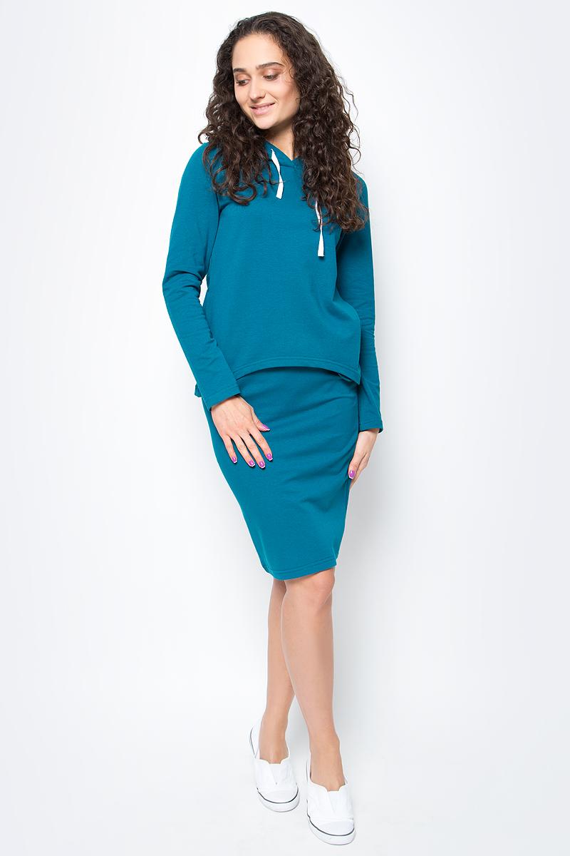 Костюм женский Rocawear, цвет: морская волна. R021752. Размер M (46)R021752Костюм женский Rocawear изготовлен из качественной смесовой ткани и состоит из толстовки и юбки. Легкий и стильный костюм подходит как для спорта,так и для повседневной носки. Толстовка свободного кроя до середины бедра дополнена капюшоном. Спинка толстовки ниже переда. Слегка зауженная юбка выполнена с резинкой по талии.