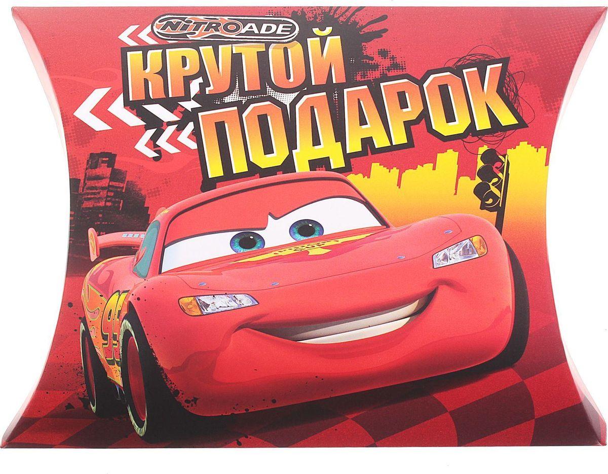 Disney Коробка подарочная Крутой подарок 14 х 14 см1123163Подарочная коробка - это не только незабываемая упаковка для подарка, но и оригинальное дополнение для настоящих гонок. Наполните ее конфетами, положите игрушку или другой сувенир небольшого размера.Изделие поставляется в разобранном виде и легко собирается.Подарите счастье и радость ребенку с героями любимых мультфильмов!
