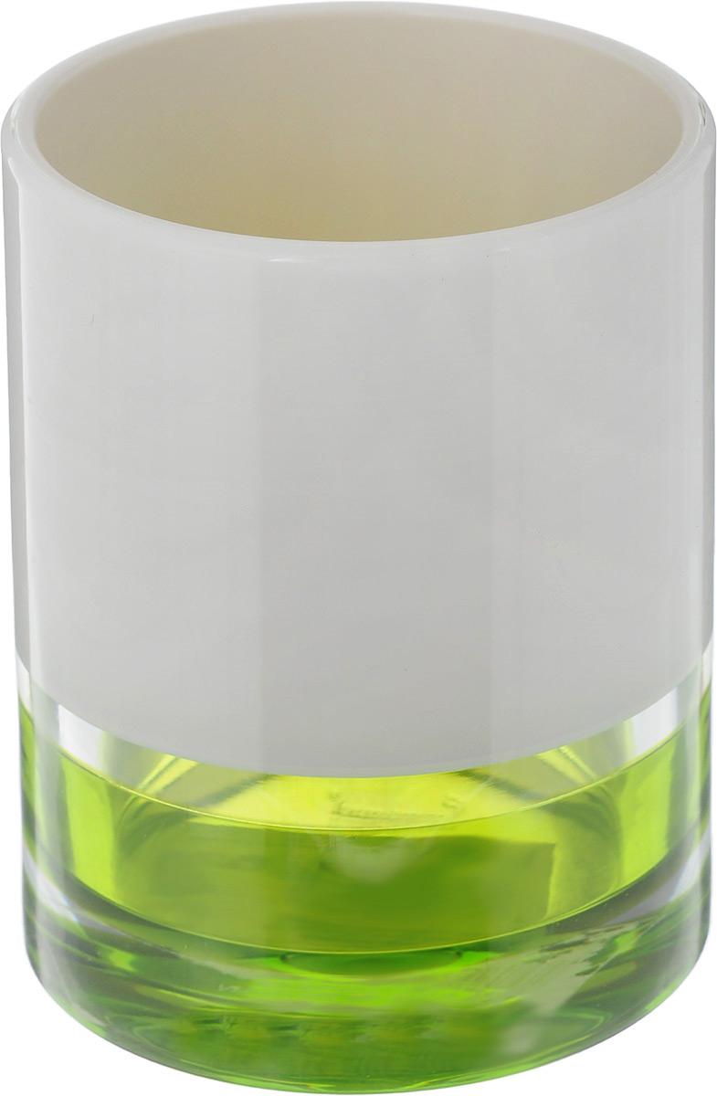 """Стакан Tatkraft """"Topaz Green"""" изготовлен из прочного акрила. Основание дополнено яркой вставкой. В таком стакане можно хранить зубные щетки, бритвы и другие принадлежности. Стакан Tatkraft """"Topaz Green"""" станет стильным аксессуаром и красиво дополнит интерьер ванной комнаты. Диаметр стакана: 7,5 см. Высота стакана: 10 см."""