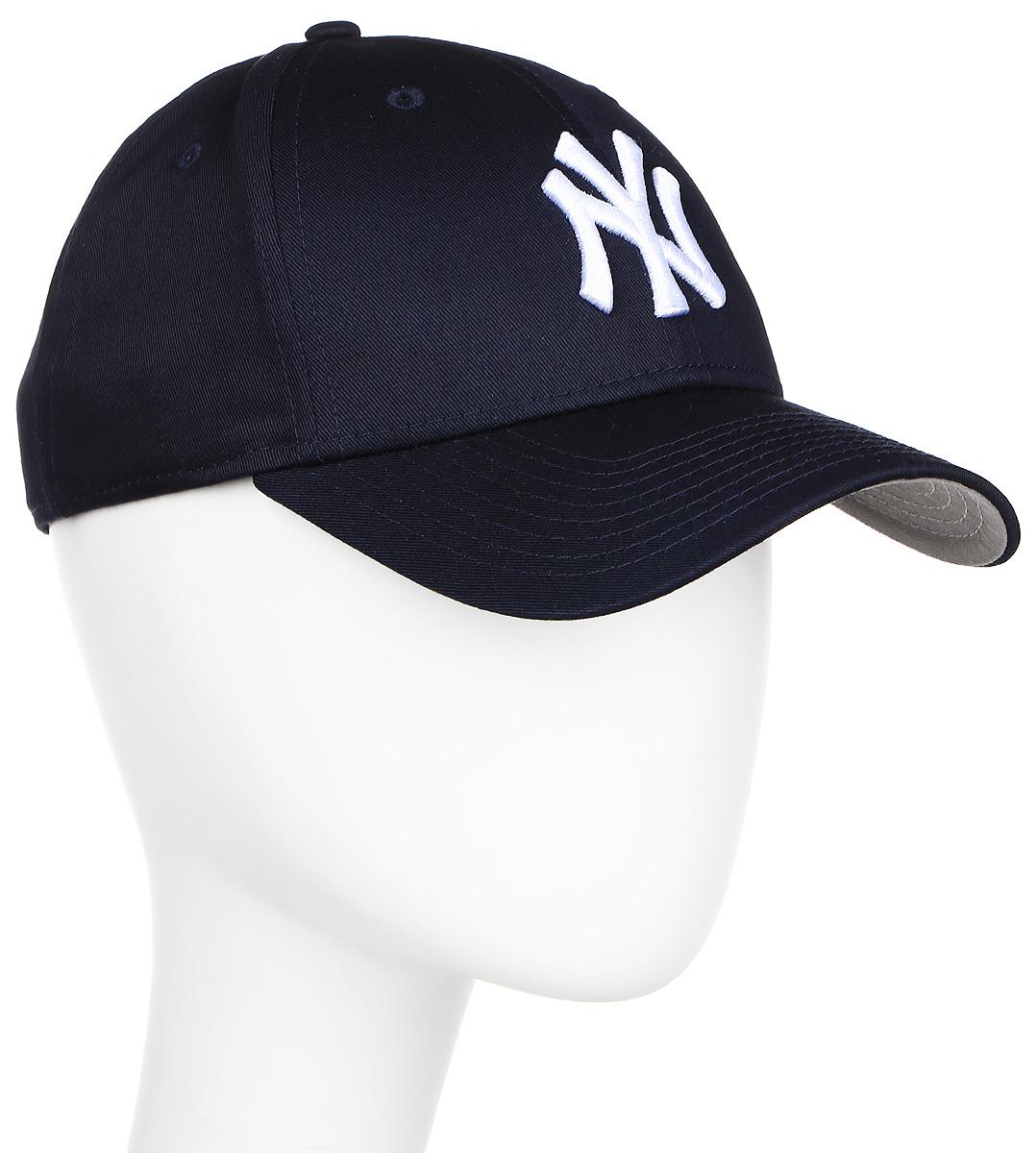 Бейсболка New Era Entry Flawless Basic 9forty, цвет: синий. 11210281. Размер универсальный11210281-NVYРегулируемая бейсболка модели 9Forty c логотипом команды MLB New York Yankees и логотипом New Era. Качественный материал, обладающий высокими вентиляционными свойствами, обеспечивает отличную воздухопроницаемость и легкость.