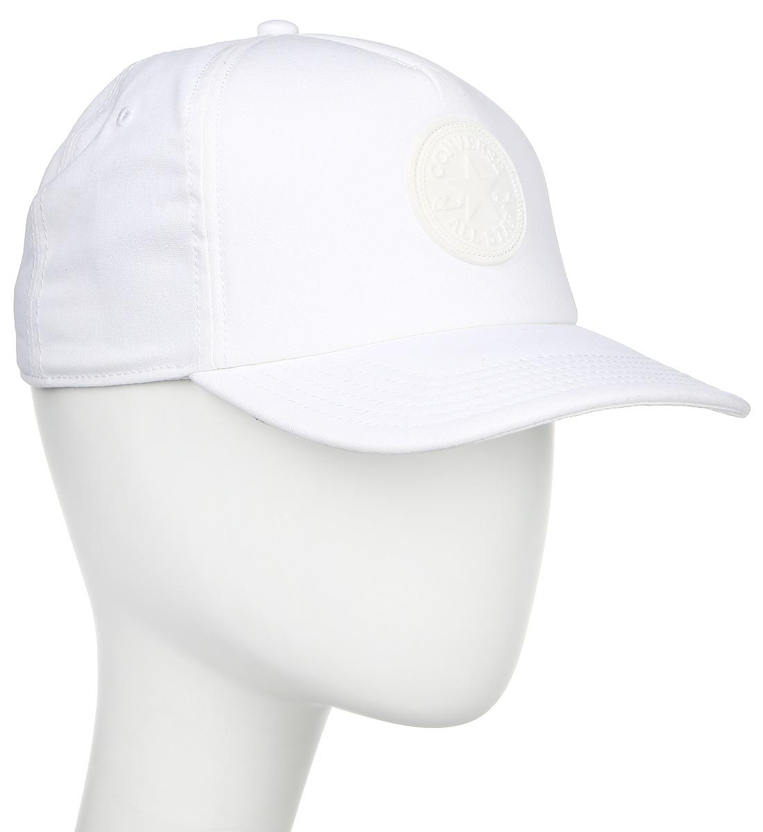 Бейсболка Converse Rubber Patch Trucker, цвет: белый. 529851. Размер универсальный529851Стильная бейсболка Converse идеально подойдет для прогулок, занятий спортом и отдыха. Бейсболка, выполненная из 100% хлопка, надежно защитит вас от солнца и ветра. Модель имеет классическую конструкцию из шести панелей и специальные вентиляционные отверстия. Изделие оформлено вышивкой с логотипом бренда. Объем бейсболки регулируется при помощи фиксатора.