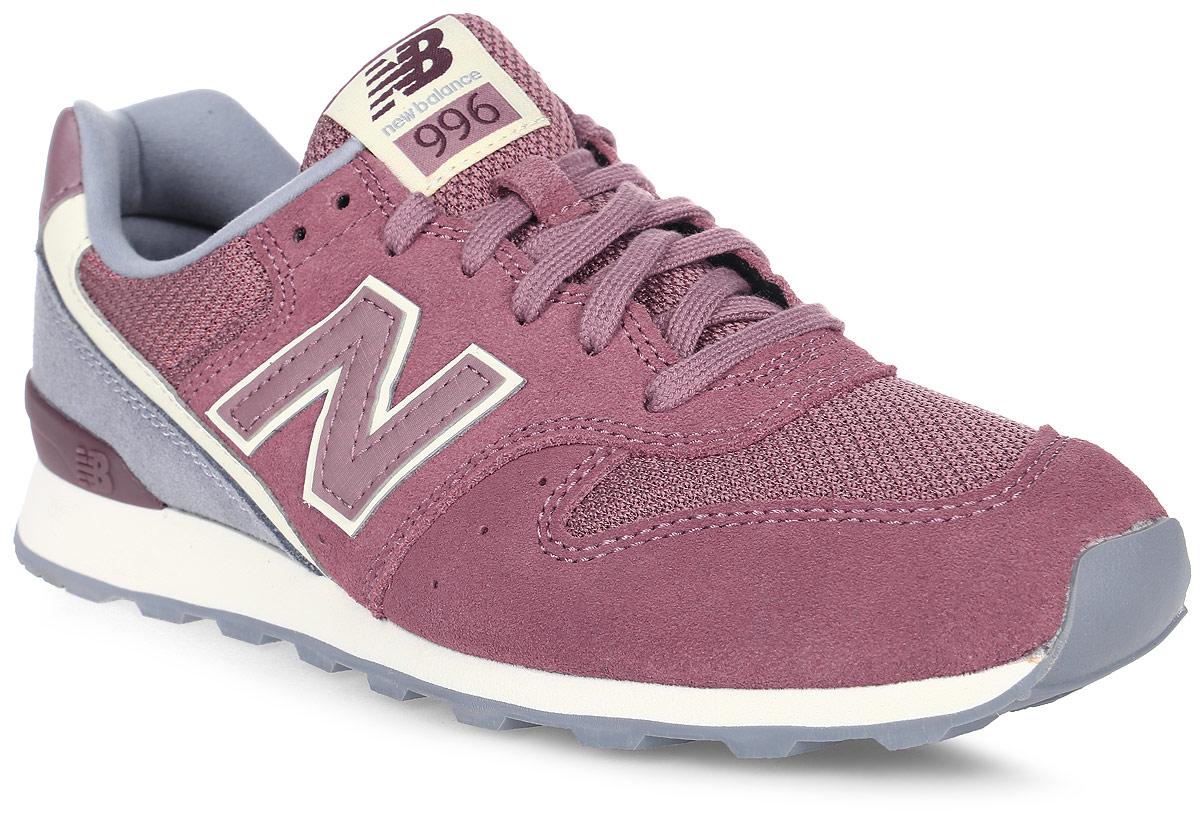 Кроссовки женские New Balance 996, цвет: бордовый, серый. WR996WSC/D. Размер 8,5 (40)WR996WSC/DСтильные женские кроссовки от New Balance придутся вам по душе. Верх модели выполнен из нейлона и натуральной замши. По бокам обувь оформлена декоративными элементами в виде фирменного логотипа бренда, на язычке - фирменной нашивкой. Классическая шнуровка надежно зафиксирует изделие на ноге. Подкладка и стелька, изготовленные из текстиля, гарантируют уют и предотвращают натирание. Подошва оснащена рифлением для лучшей сцепки с поверхностями. Удобные кроссовки займут достойное место среди коллекции вашей обуви.