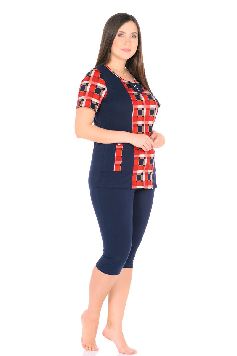 Домашний комплект женский HomeLike: футболка, бриджи, цвет: темно-синий, красный. 878. Размер 54878Комплект домашней одежды HomeLike, состоящий из футболки и бридж, выполнен из трикотажного полотна. Футболка прямого покроя в комбинированной расцветке, с короткими рукавами, с округлым вырезом горловины, в рельефах практичные накладные карманы с декором пуговицами, вырез оформлен декоративной планкой с двумя пуговицами. Бриджи прямого покроя, ниже колена, с поясом на резинке. Сочетая комфортные характеристики в носке и современный дизайн, данный комплект удобен в качестве одежды для дома и дачи, а так же подойдет и для летних прогулок или отдыха на природе.