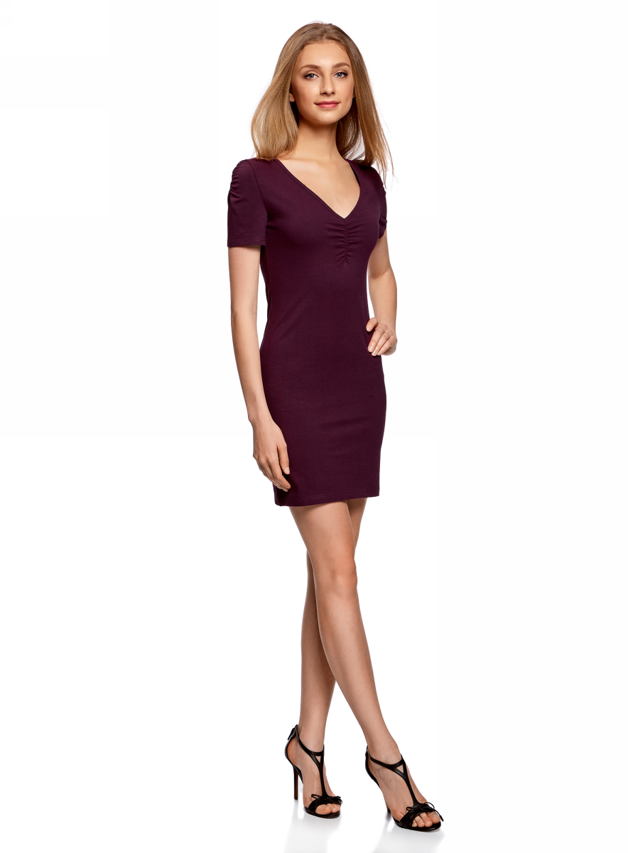 Платье oodji Ultra, цвет: темно-фиолетовый. 14001082B/47490/8800N. Размер XS (42)14001082B/47490/8800NОблегающее платье oodji Ultra выполнено из качественного трикотажа. Модель мини-длины с V-образным вырезом горловиныи короткими рукавамивыгодно подчеркивает достоинства фигуры.