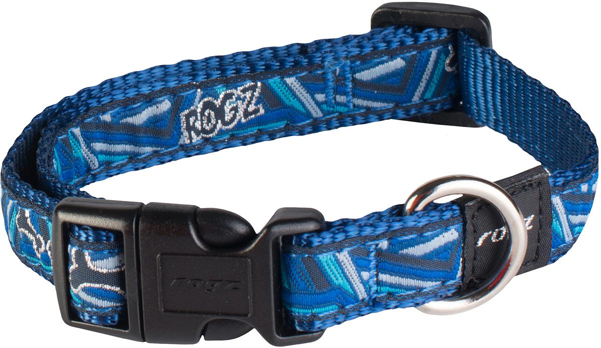 Ошейник для собак Rogz Fancy Dress, цвет: голубой, ширина 1,6 смHB12CDОшейник для собак Rogz Fancy Dress имеет необычный дизайн. Широкая гамма потрясающе красивых орнаментов на прочной тесьме поверх нейлоновой ленты украсит вашего питомца. Специальная конструкция пряжки Rog Loc - очень крепкая (система Fort Knox). Замок может быть расстегнут только рукой человека. Технология распределения нагрузки позволяет снизить нагрузку на пряжки, изготовленные из титанового пластика, с помощью правильного и разумного расположения грузовых колец.Особые контурные пластиковые компоненты. Специальная округлая форма конструкции позволяет ошейнику комфортно облегать шею собаки. Выполненные по заказу литые кольца имеют хромирование, нанесенное гальваническим способом, что позволяет избежать коррозии и потускнения изделия.