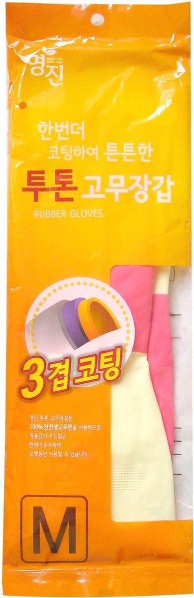 Перчатки хозяйственные Myungjin Rubber Glove. Two Tone, латексные, двухцветные, размер: M. H2465431Латексные перчатки защищают руки во время проведения бытовых и хозяйственных работ. Перчатки удобны в использовании, гигиеничны, долговечны. В области ладони и пальцев на перчатки нанесено противоскользящее покрытие. Края перчаток дополнительно обработаны износостойким веществом.Способ применения: используйте перчатки в бытовых целях. При необходимости сушите, вывернув наизнанку. В случае появления запаха тщательно промойте.Меры предосторожности: сушить, избегая попадания прямых солнечных лучей. Во избежание травм соблюдать меры предосторожности при работе с острыми предметами. Не использовать при работе с нефтепродуктами и химическими препаратами. Не класть в озоновые стиральные машинки и холодильники. В случае возникновения аллергии или раздражения кожи, прекратите использование или воспользуйтесь дополнительно неткаными перчатками марки MYUNGJIN.