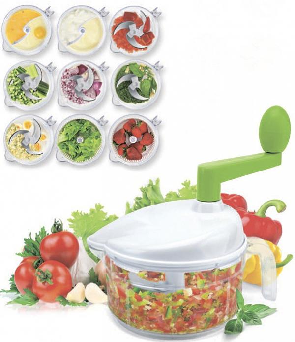 Комбайн кухонный Bradex Мульти Мастер Нью, механическийTK 0238Кухонный комбайн Bradex Мульти Мастер Нью поможет вам быстро и эффективно приготовить любой фарш или пюре, измельчите овощи и фрукты, замесите тесто или взобьете омлет, сделаете соусы, крем для тортов и даже самые удивительные коктейли, испечете безе таким образом, чтобы даже капелька желтка не попала в массу, приготовите салат с нежнейшей зеленью и вымоете даже самые капризные ягоды, не испортив их, ожидая, пока стечет вода.Преимущества: Легко хранить и мытьНикакой грязи, никакого беспорядка, лишь идеальный результатС помощью Мульти Мастер одинаково легко измельчить и перемешать продукты, а также взбивать любые кулинарные смесиСпециальная насадка позволит без труда отделить яичный желток от белка, что так важно при приготовлении многих блюдБлагодаря дуршлагу-контейнеру Вам больше не придется ждать, пока продукты высохнут после мытьяИдеально подходит для использования как дома, так и на даче.