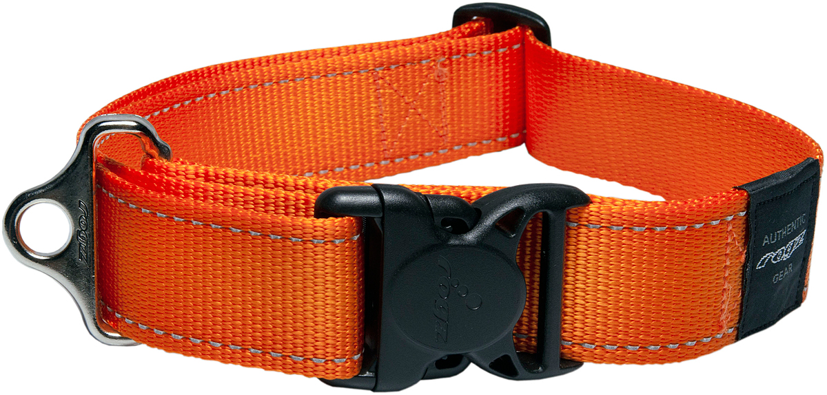 Ошейник для собак Rogz Utility, цвет: оранжевый, ширина 4 см. Размер XXLHB19DОшейник для собак Rogz Utility  со светоотражающей нитью, вплетенной в нейлоновую ленту, обеспечивает лучшую видимость собаки в темное время суток. Специальная конструкция пряжки Rog Loc - очень крепкая (система Fort Knox). Замок может быть расстегнут только рукой человека. Технология распределения нагрузки позволяет снизить нагрузку на пряжки, изготовленные из титанового пластика, с помощью правильного и разумного расположения грузовых колец.Особые контурные пластиковые компоненты. Специальная округлая форма конструкции позволяет ошейнику комфортно облегать шею собаки.Выполненные специально по заказу Rogz литые кольца гальванически хромированы, что позволяет избежать коррозии и потускнения изделия.