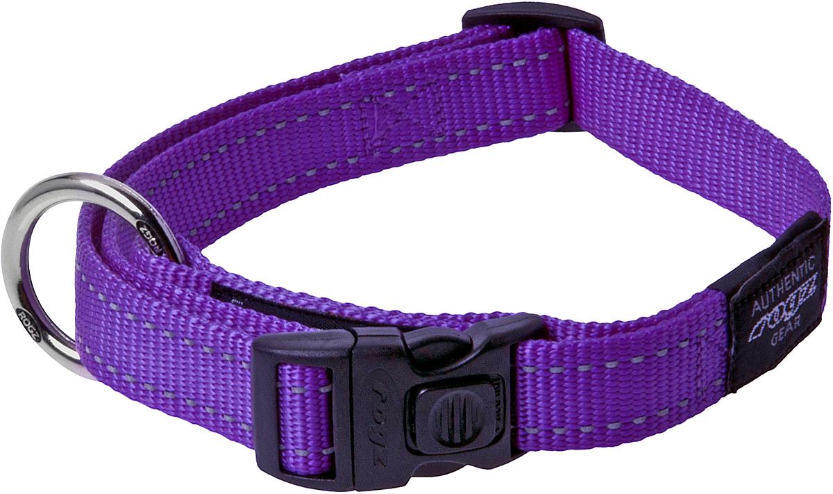 Ошейник для собак Rogz Utility, цвет: фиолетовый, ширина 2,5 см. Размер XLHB05EОшейник для собак Rogz Utility  со светоотражающей нитью, вплетенной в нейлоновую ленту, обеспечивает лучшую видимость собаки в темное время суток. Специальная конструкция пряжки Rog Loc - очень крепкая (система Fort Knox). Замок может быть расстегнут только рукой человека. Технология распределения нагрузки позволяет снизить нагрузку на пряжки, изготовленные из титанового пластика, с помощью правильного и разумного расположения грузовых колец.Особые контурные пластиковые компоненты. Специальная округлая форма конструкции позволяет ошейнику комфортно облегать шею собаки.Выполненные специально по заказу Rogz литые кольца гальванически хромированы, что позволяет избежать коррозии и потускнения изделия.
