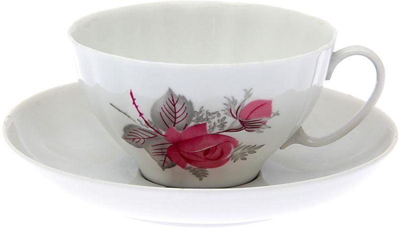 Чашка чайная Дулевский Фарфор Белый лебедь. Дикая роза, с блюдцем, 275 мл050882Чашка с блюдцем Дулевский Фарфор выполнены из высококачественного фарфора. Посуда из такого материала позволяет сохранить истинный вкус напитка, а также помогает ему дольше оставаться теплым.