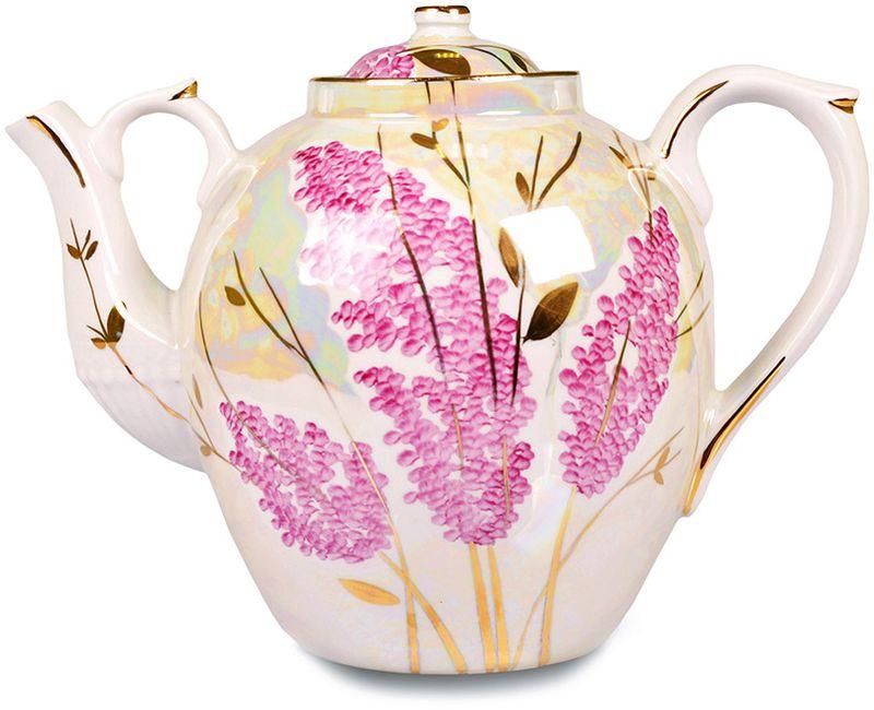Чайник заварочный Дулевский Фарфор Русский. Розовая сирень, 4,5 лс1334Заварочный чайник Дулевский Фарфор выполнен из высококачественного фарфора, покрытого глазурью. Изделие прекрасно подходит для заваривания вкусного и ароматного чая, травяных настоев. Оригинальный дизайн сделает чайник настоящим украшением стола. Он удобен в использовании и понравится каждому.