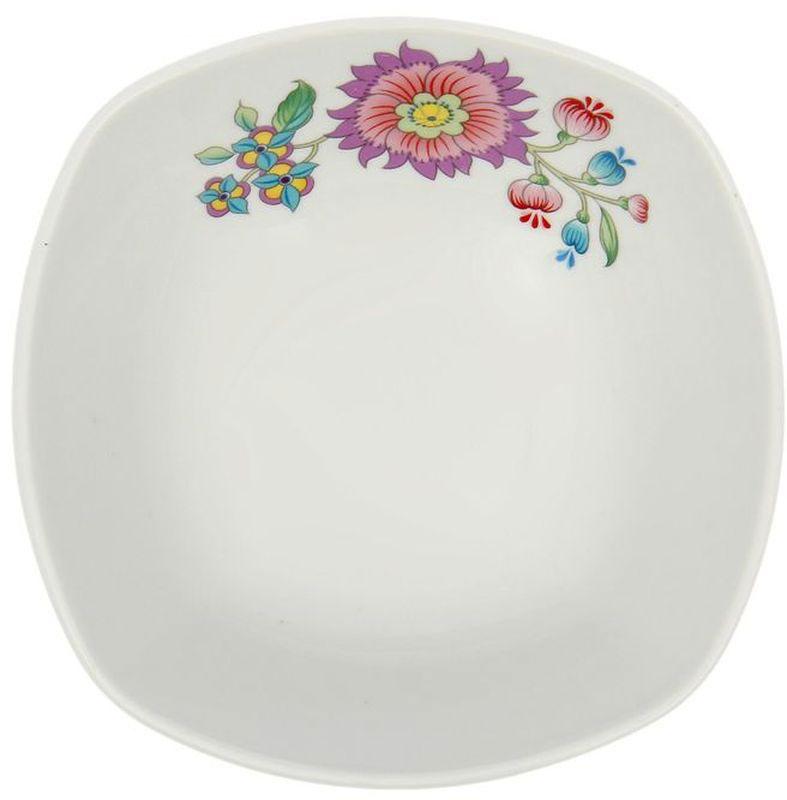 Салатник Дулевский Фарфор Луговые цветы, 550 мл066252Салатник Дулевский Фарфор Луговые цветы выполнен из высококачественного фарфора, покрытого глазурью. Такой салатник отлично подойдет для подачи салатов, закусок, нарезок. Он красиво дополнит сервировку стола и станет полезным приобретением для кухни.