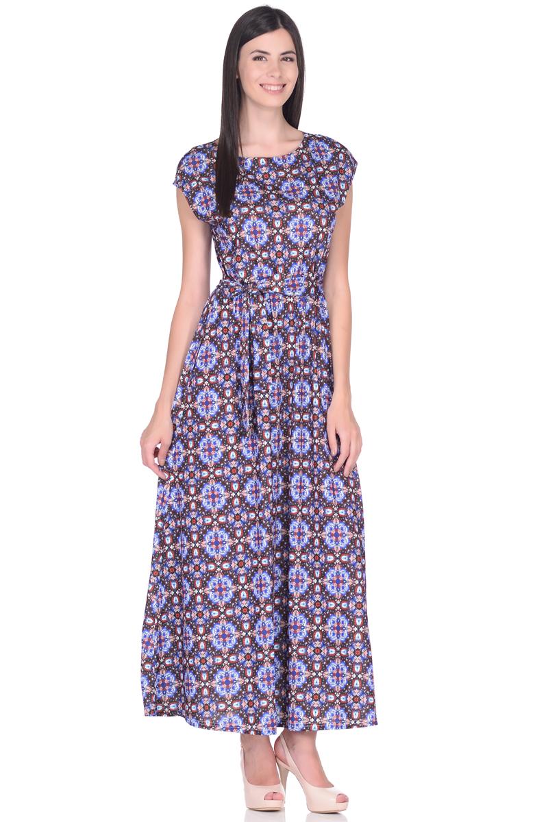 Платье EseMos, цвет: черный, синий, красный. 103. Размер 42103Великолепное платье EseMos в пол, изготовленное из струящегося материала масло в изысканной современной расцветке. Женственный силуэт без рукавов, изящно присобран по талии на мягкую резинку, образуя плавные ниспадающие складки по юбке-макси. Талию подчеркивает пояс-завязка, придает свою изюминку, делая образ совершенным. Платье в пол популярно в этом сезоне. Модель превосходно садится, красиво обрисовывая фигуру, визуально корректирует силуэт, делая образ более стройным и привлекательным.