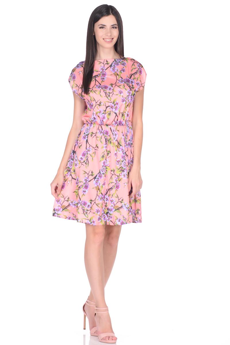 Платье EseMos, цвет: розовый, зеленый. 108. Размер 48108Яркое летнее платье EseMos выполнено из струящейся ткани в изысканной современной расцветке. Женственный силуэт без рукавов, изящно присобран по талии на мягкую резиночку, образуя плавные ниспадающие складки по юбке. Спущенная пройма лишь слегка прикрывает плечи. Модель превосходно садится по фигуре, скрывая возможные несовершенства, подчеркивает достоинства, дарит ощущения легкости и комфорта.