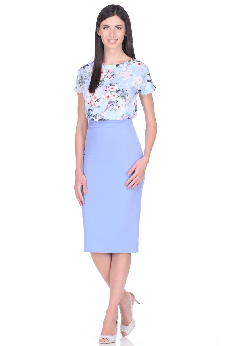 Блузка женская EseMos, цвет: голубой, розовый. 109. Размер 46109Женственная блузка EseMos прямого силуэта, с короткими цельнокроеными рукавами и с округлым вырезом горловины. Модель изготовлена из искусственного шелка, материал в красивой расцветке, приятный, легкий и почти не мнется. Современная обработка искусственного шелка делает материал слегка эластичным, благодаря этому блузка отлично садится по фигуре, не сковывает движений, создает чувство легкости и комфорта.