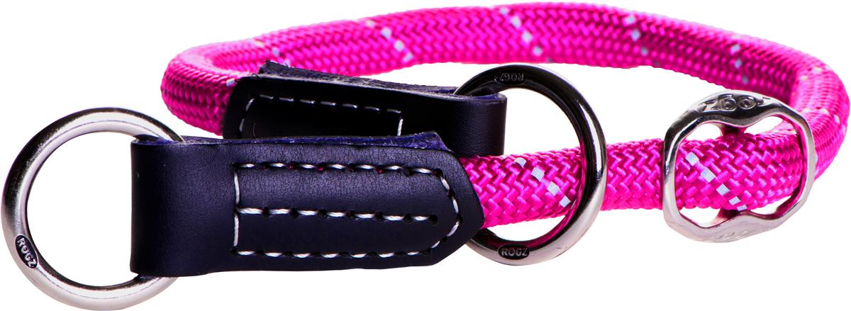 Полуудавка для собак Rogz Rope, цвет: розовый, ширина 1,2 см, обхват шеи 45-55 см. Размер LHBR1255KКруглый ошейник-полуудавка Rogz Rope изготовлен из нейлона, металла и кожи.Ошейники-полуудавки, или как их сейчас модно называть ошейники-мартингейлы (мартингалы), практически незнакомы российскому покупателю. Возможно, именно эта неизвестность пугает и отталкивает многих собачников от приобретения такого ошейника.Полуудавки или мартингалы уже давно популярны в США и странах Европы, с недавних пор они завоевывают и рынок России. Их по праву можно считать вторыми по популярности после классических ошейников с застежкой-пряжкой.Термин мартингейл (или мартингал) произошел от французского слова martingale. Впервые он был применим к амуниции у лошадей. Это был специальный ремень в конской упряжи для удержания головы лошади в нужном положении. Он был нужен для того, чтобы не давать возможности лошади задирать голову высоко вверх.Лошадиный мартингал представляет собой приспособление из нескольких ремней и колец, где кольца как бы ездят (скользят) по ремням, принимая различные положения. Скорее всего, собачий ошейник-мартингал получил свое название именно от конной амуниции, потому что сделан по тому же принципу - несколько ремней соединены тремя кольцами.В отличии от классических ошейников с застежкой-пряжкой, полуудавки удобнее хотя бы потому, что их не нужно застегивать. Вы наконец-то избавитесь от этого ежедневного процесса, когда вам нужно тонкой палочкой от пряжки попасть в одну из дырочек на ошейнике, а потом протянуть ремешок еще через два полукольца. Полуудавка надевается через голову собаки, без всяких застежек и регулировок - одел и пошел на прогулку. Светоотражающая нить, вплетенная в нейлоновую ленту, обеспечивает видимость животного в темное время суток.Обхват шеи: 45-55 см.