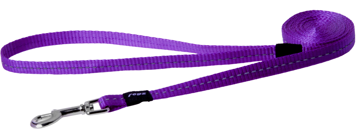 Поводок для собак Rogz Utility, цвет: фиолетовый, ширина 1,1 см. Размер SHL14EПоводок для собак Rogz Utility  со светоотражающей нитью, вплетенной в нейлоновую ленту, обеспечивает лучшую видимость собаки в темное время суток. Специальная конструкция пряжки Rog Loc - очень крепкая (система Fort Knox). Замок может быть расстегнут только рукой человека. Технология распределения нагрузки позволяет снизить нагрузку на пряжки, изготовленные из титанового пластика, с помощью правильного и разумного расположения грузовых колец, благодаря чему, даже при самых сильных рывках, изделие не рвется и не деформируется.Выполненные специально по заказу ROGZ литые кольца гальванически хромированы, что позволяет избежать коррозии и потускнения изделия.