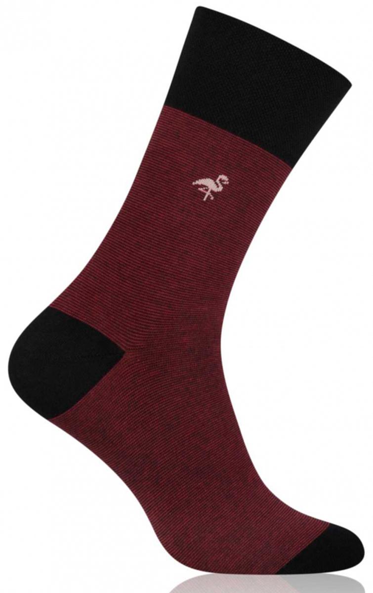 Носки мужские More, цвет: бордовый. 051 (003). Размер 39/42051 (003)Стильные деловые мужские носки More изготовлены из высококачественного хлопка, они приятны на ощупь, не раздражают кожу, позволяя ей дышать. Модель отлично облегает стопу. Имеют удобную не сдавливающую резинку.Изделие дополнено принтом.