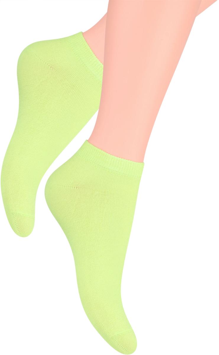 Носки женские Steven, цвет: светло-зеленый. 052 (UX08). Размер 35/37052 (WX08)/052 (UX08)Носки Steven изготовлены из качественного материала на основе хлопка. Укороченная модель имеет мягкую эластичную резинку. Носки хорошо держат форму и обладают повышенной воздухопроницаемостью.