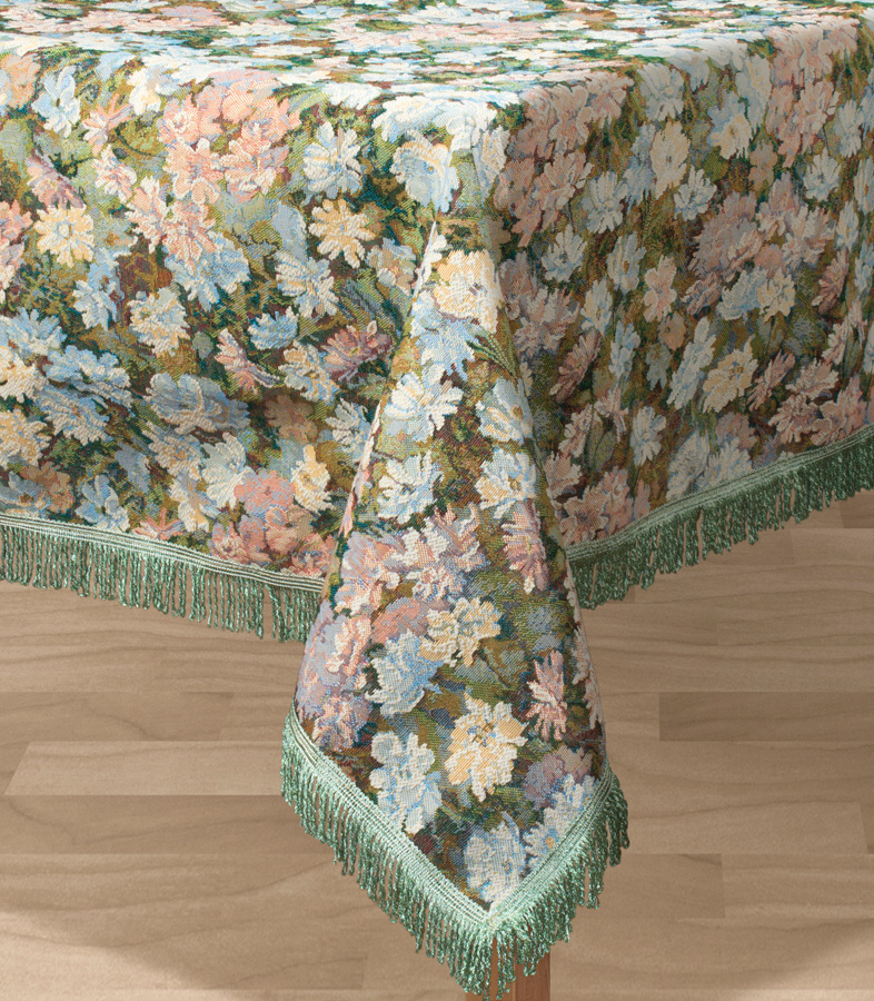 Скатерть Les Gobelins Nectar De La Fleur, прямоугольная, 150 х 190 смlns194075Прямоугольная скатерть Les Gobelins Nectar De La Fleur с ярким цветочным рисунком привлечет к себе внимание и органично впишется в интерьер комнаты. Изделие изготовлено из высококачественной ткани гобелен и оформлено бахромой и кисточками. Необычайная красота сочетается в этой скатерти с высокой прочностью и долговечностью, а свойство гобелена по-разному проявлять себя в зависимости от освещения помещения позволяет открывать все новые и новые детали, которые, как казалось, раньше скрывал гобелен. Красочная и приятная на ощупь скатерть сделает любое застолье торжественным, а интерьер - уютным и своеобразным. Расположение рисунка на скатерти соответствует фотографии.Состав материала:50% хлопок, 50% полиэстер.